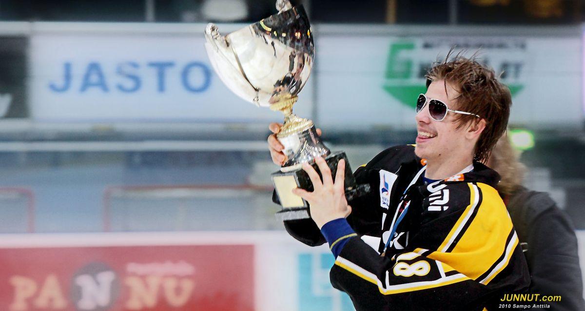 Joonas Donskoi, nuorten Suomen Mestari 2010, Oulun Kärpät
