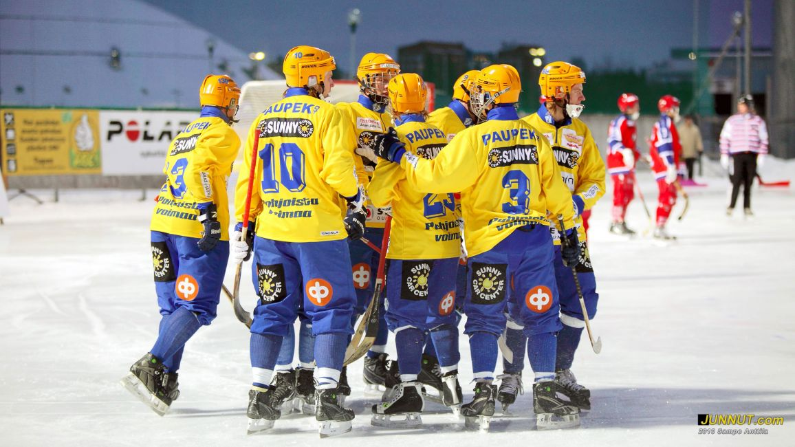 OLS 130 v. juhlaottelussa 20.11.2010 Bandyliigan avausottelussa OLS - HIFK