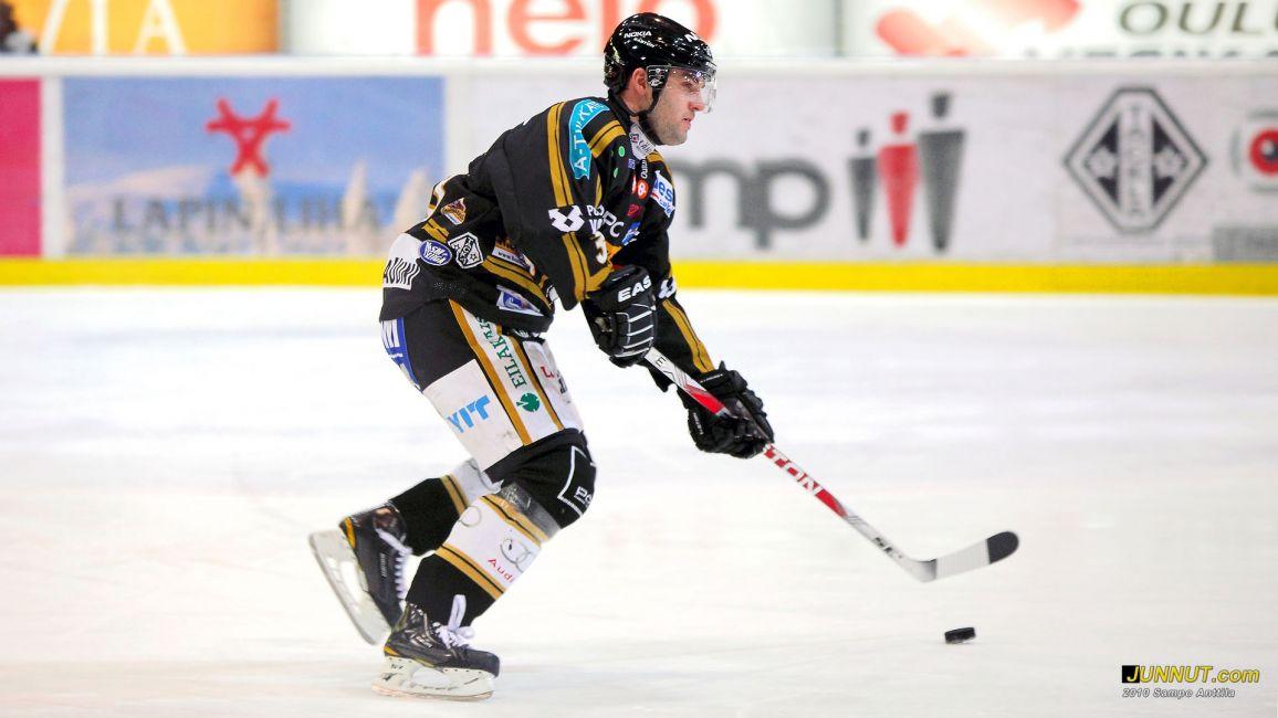 Puolustaja Vladimir Sicak, Oulun Kärpät 4.12.2010