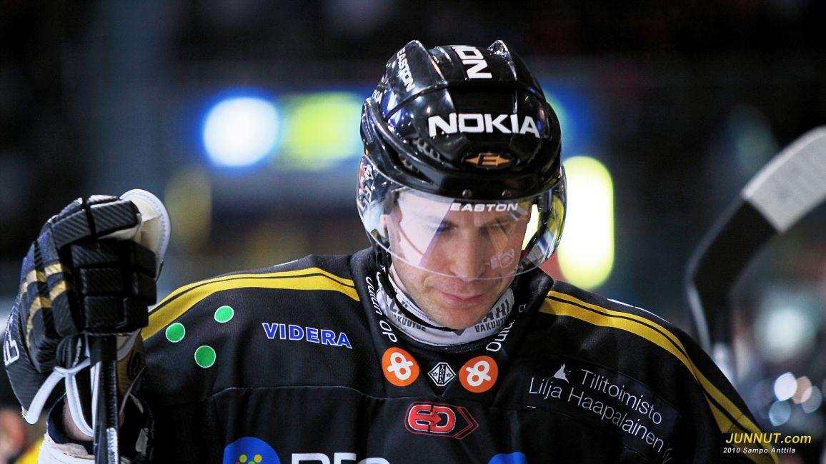 Kimmo Koskenkorva Kärpät - TPS 4.1.2011