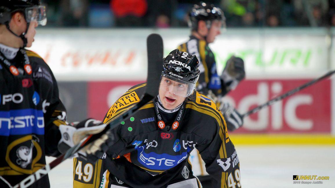 #49 Ville-Matti Koponen, Kärpät - TPS, SM-liigaottelu 4.1.2011