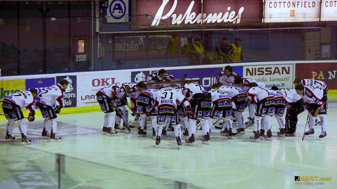 Ässät aloitus, SM-liigaottelussa 11.1.2011 Kärpät - Ässät