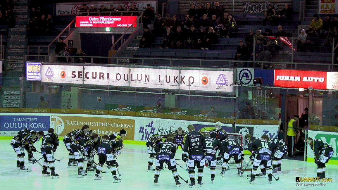 Kärpät aloitus, SM-liigaottelussa 11.1.2011 Kärpät - Ässät