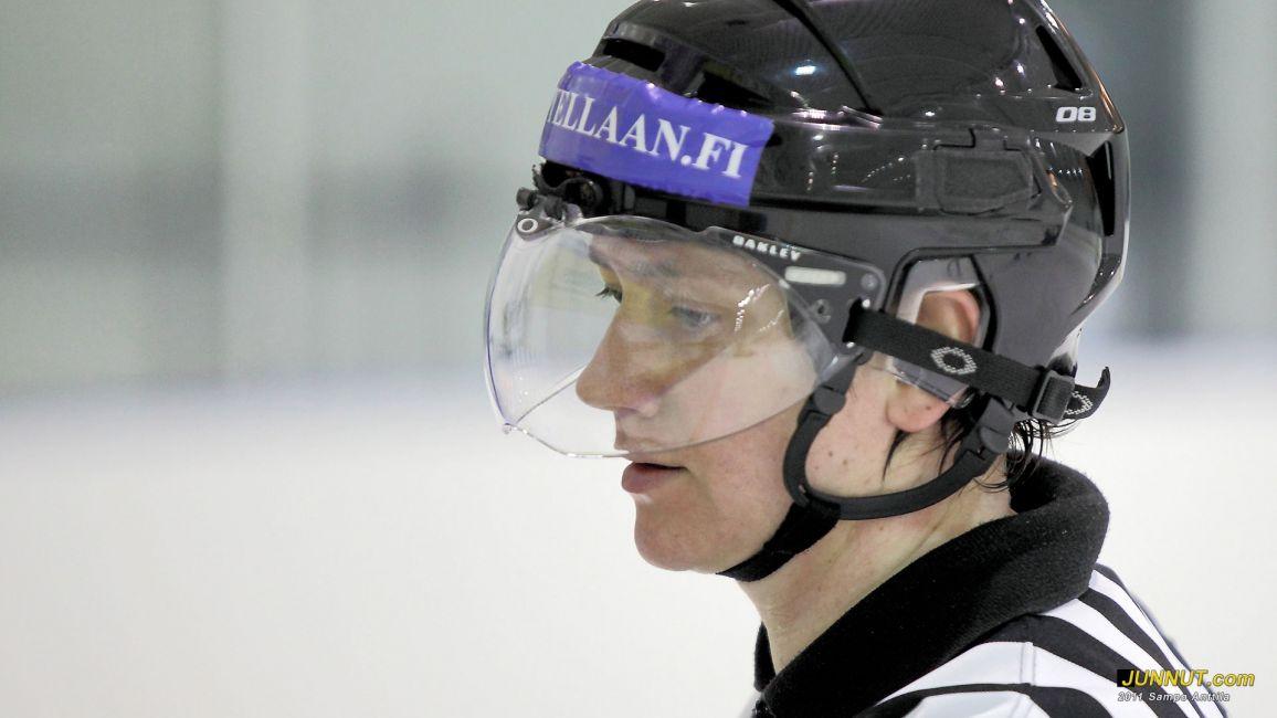 Johanna Tauriainen, linjatuomari 15.1.2011