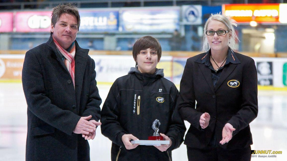 Helmikuun kuukauden juniori Samuli Ervasti palkittiin 15.2.2011