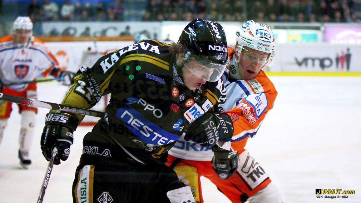 Hyökkääjä Miikka Salomäki, Oulun Kärpät 26.2.2011