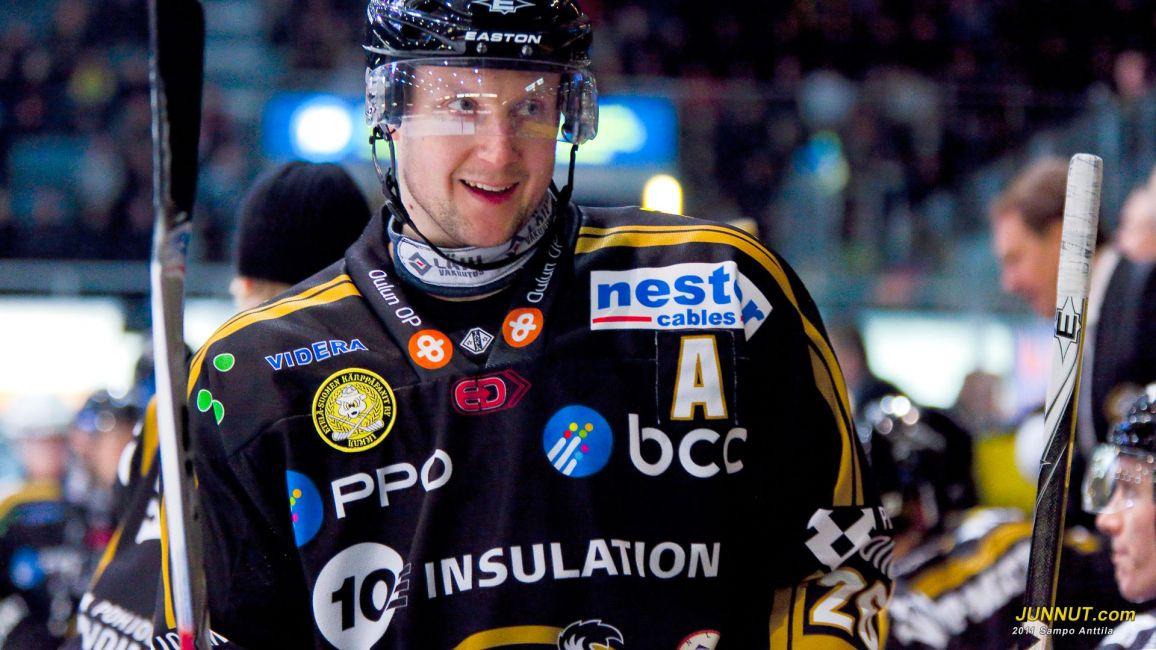 Puolustaja Mikko Lehtonen, Oulun Kärpät 5.3.2011