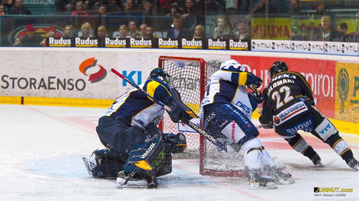 Hyökkääjä Miikka Salomäki, Oulun Kärpät 5.3.2011
