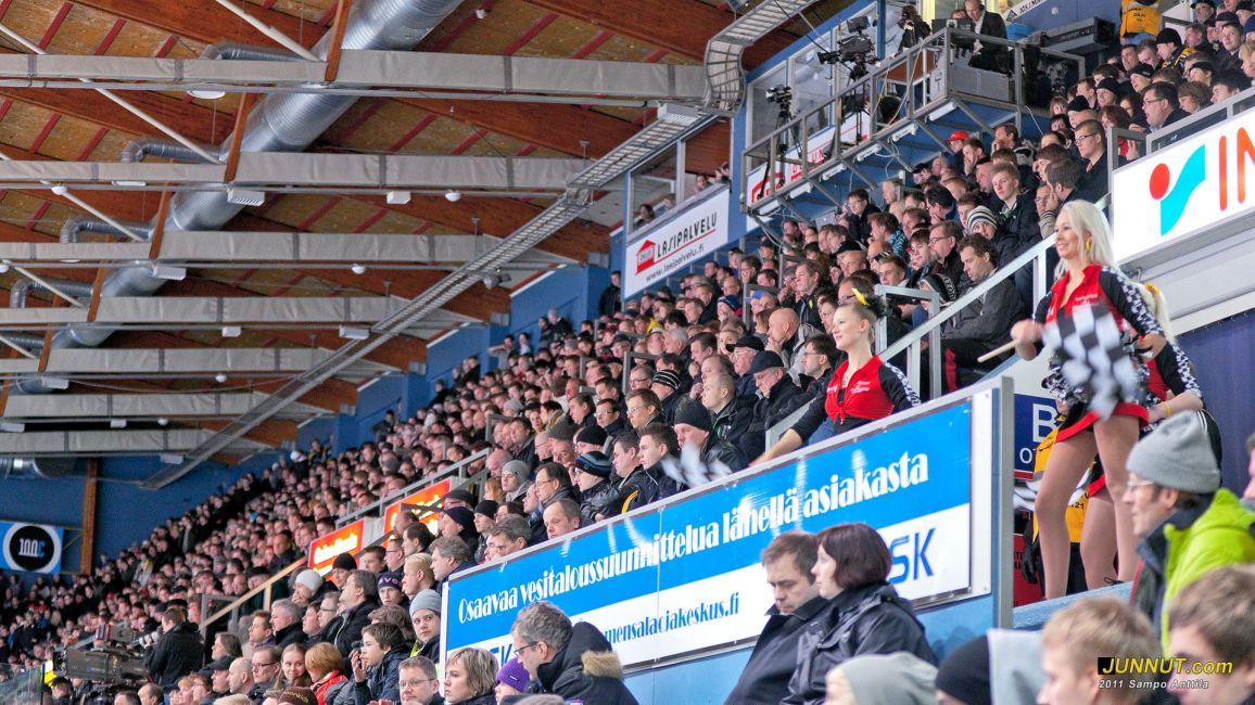 Kärppä-katsojilla ja cheerleaders tanssijoilla alkaa kesäloma, Kärpät - Blues, SM-liigaa 15.3.2011