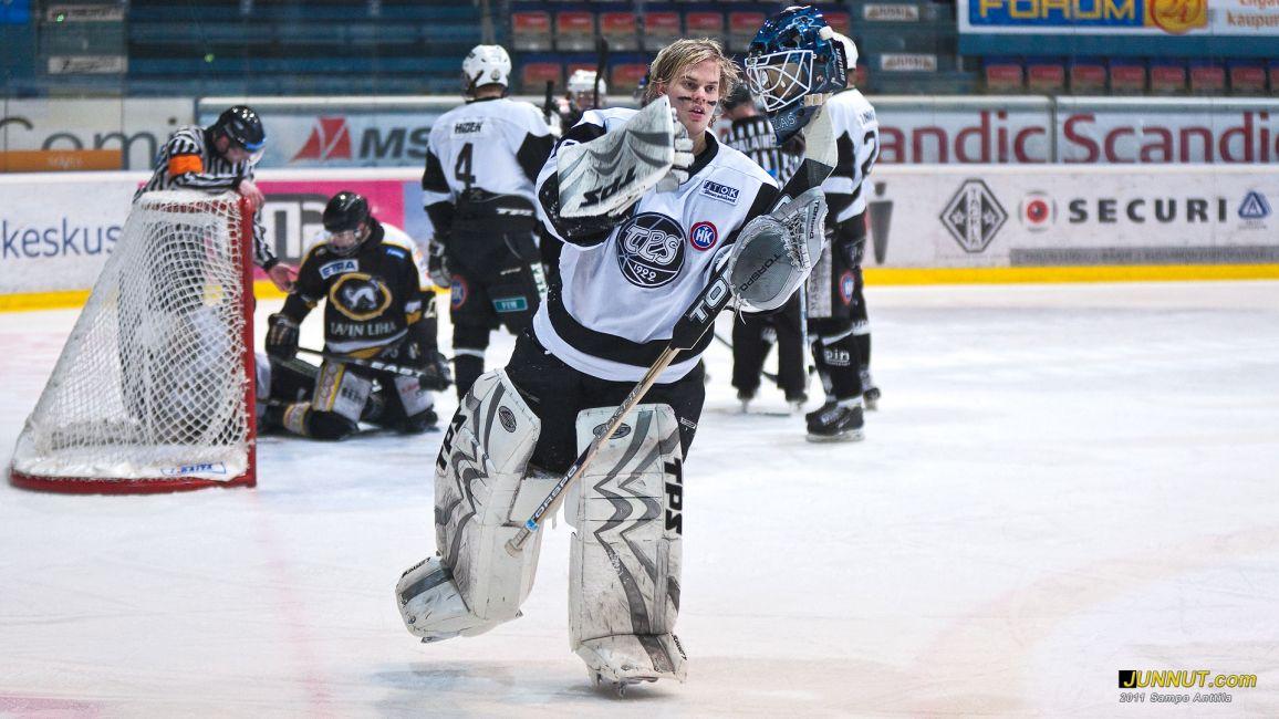 Niklas Saarinen, TPS 16.3.2011 B-nuorten SM-sarjan välierissä Kärpät - TPS