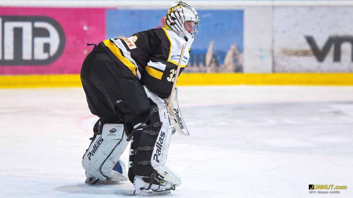 Tuomas Saarela, Oulun Kärpät 16.3.2011, B-nuorten SM-sarja, välierissä Kärpät - TPS
