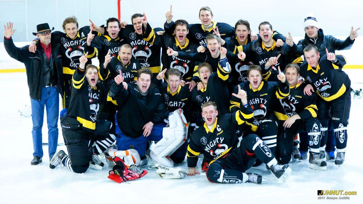 Mighty Dicks, pronssia Opiskelijoiden jääkiekon SM-kisoissa 2011