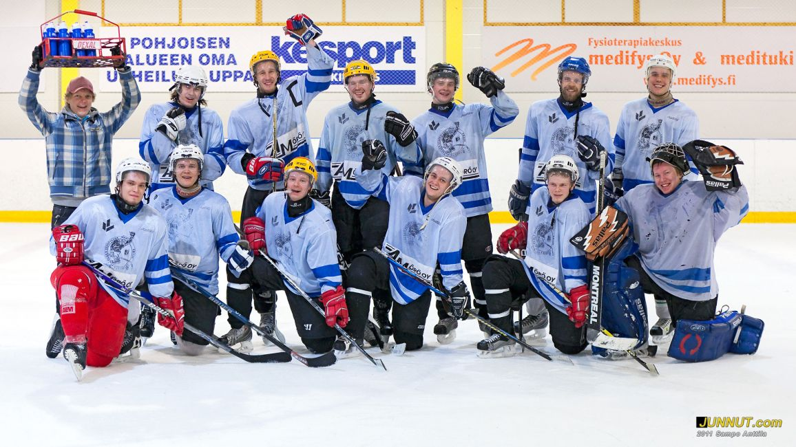 Oulu 2, pelasi hyvät ottelut ja sijoittui 5. Opiskelijoiden jääkiekon SM-kisoissa 2011