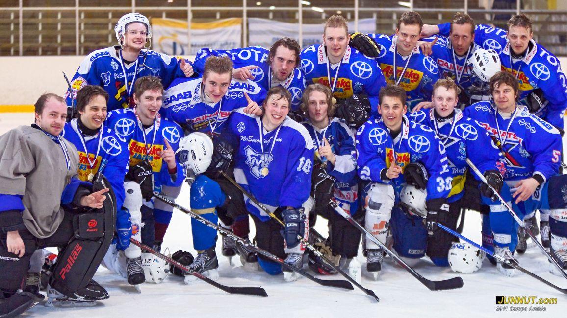 Jyväskylän Yliopiston joukkue voitti Opiskelijoiden jääkiekon Suomen Mestaruuden 2011