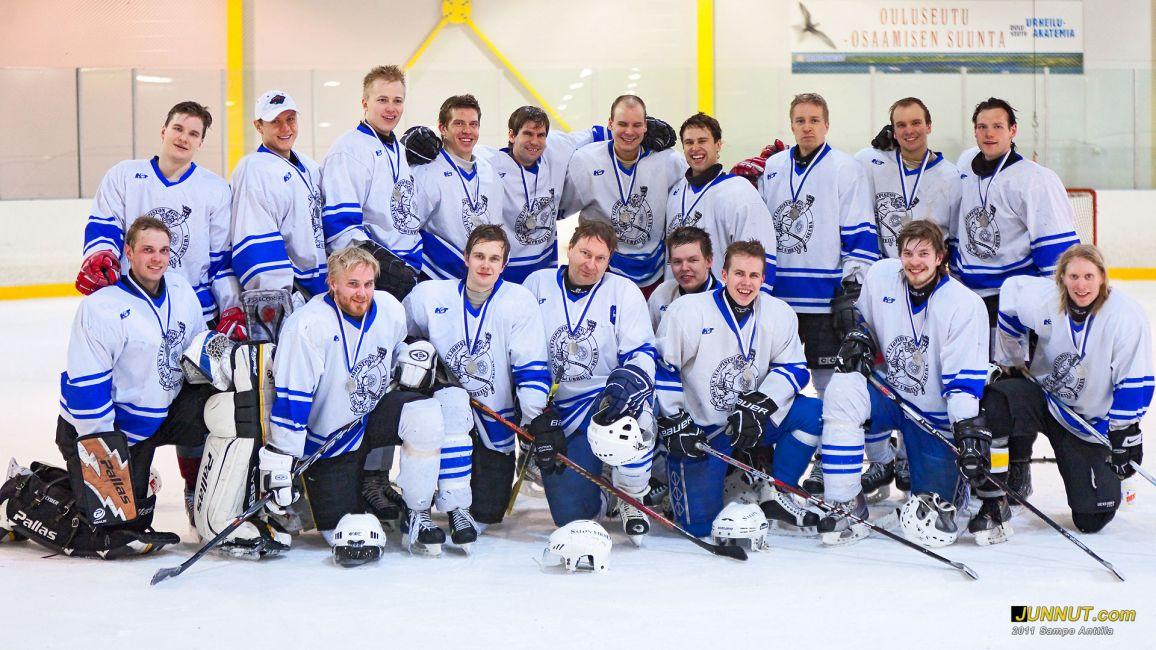 OYUS, hopeaa Opiskelijoiden jääkiekon SM-kisoissa 2011