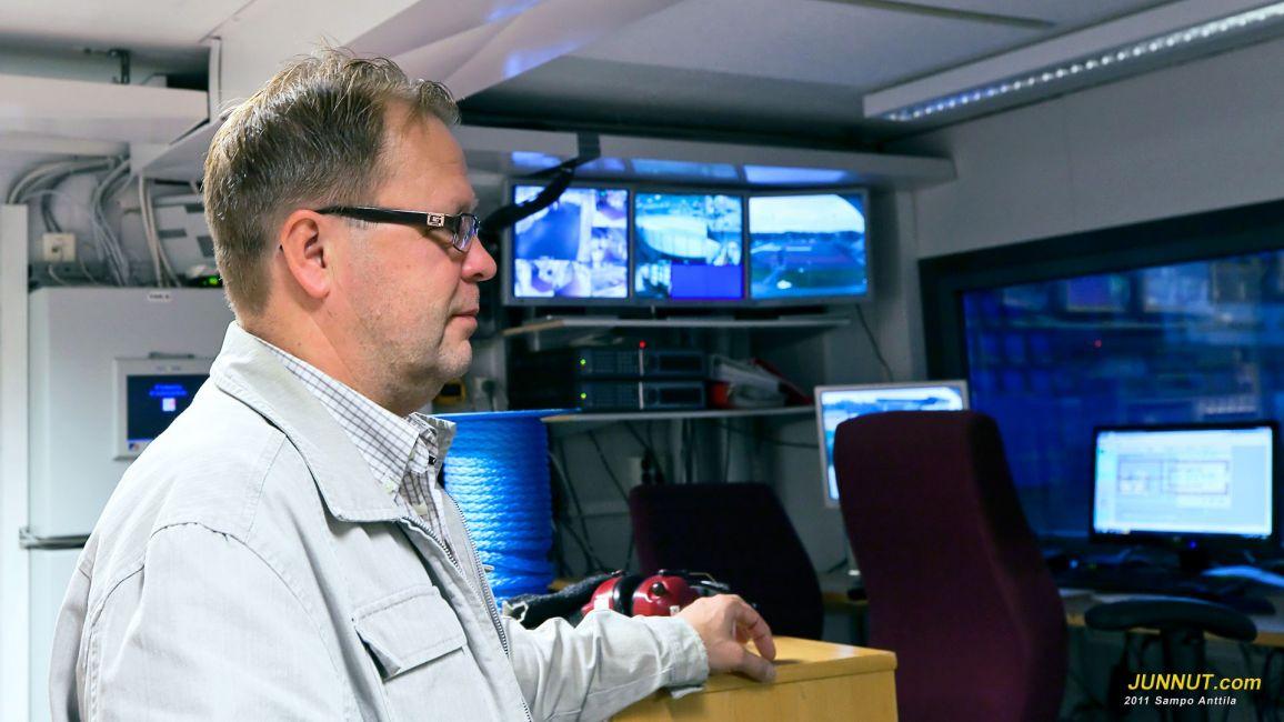 Laitospäällikkö Asko Ylitalo vakuuttaa että remontti on valmis 9.9.2011, JUNNUT.com