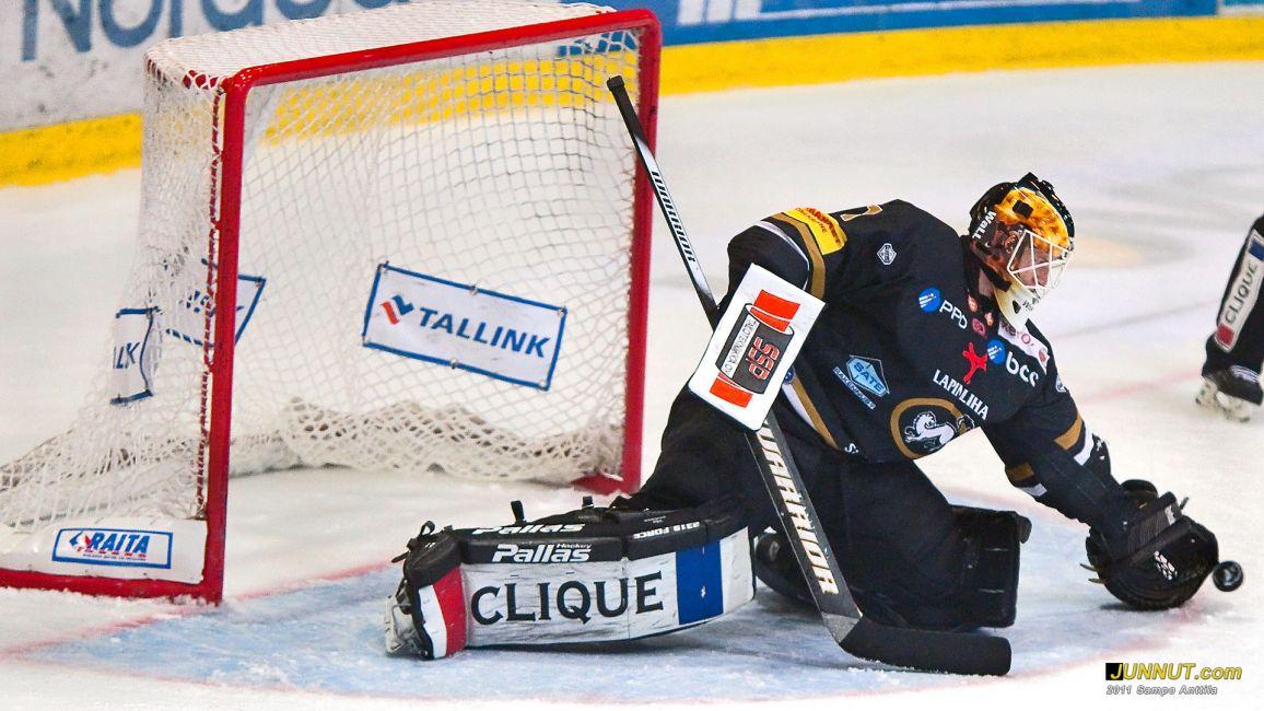 mv.  Ville Hostikka, Oulun Kärpät 6.10.2011 JUNNUT.com