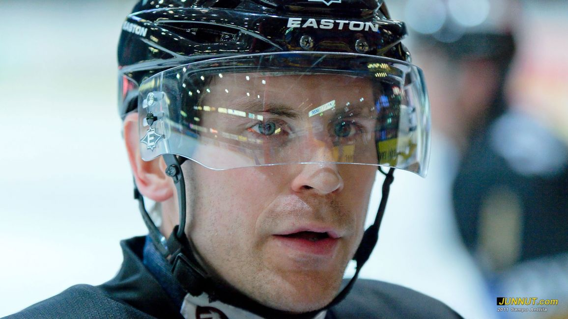Kimmo Koskenkorva, Oulun Kärpät 2011. JUNNUT.com