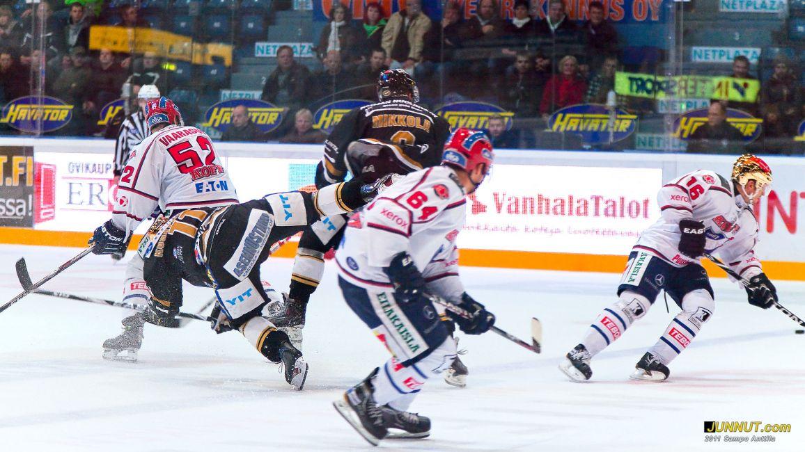 Kärpät - HIFK 18.10.2011 JUNNUT.com