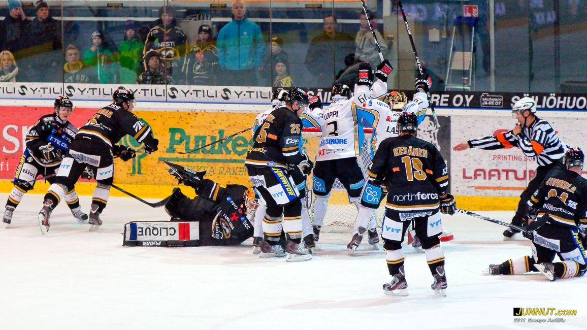 Kärpät - Pelicans 22.10.2011 JUNNUT.com
