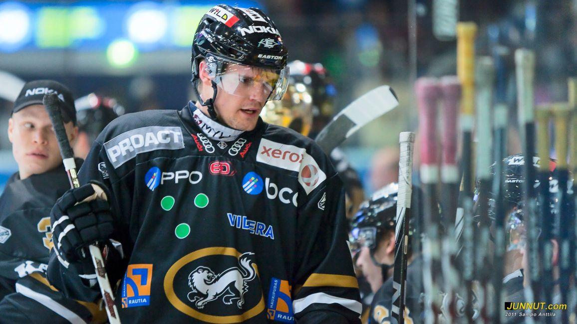 Oscar Eklund, Oulun Kärpät 5.11.2011 SM-liiga. JUNNUT.com