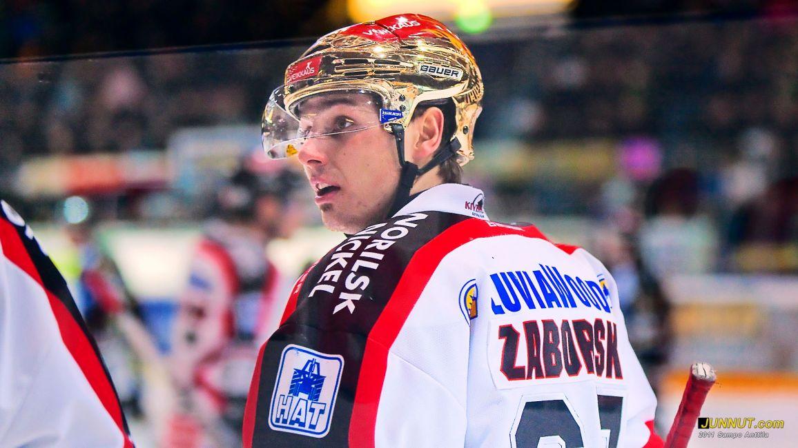 Tomas Zaborsky, Ässät, joukkueen pistepörssin paras 36 pisteellä (24+12) 9.12.2011. Kärpät - Ässät 3.12.2011 SM-liiga. JUNNUT.com