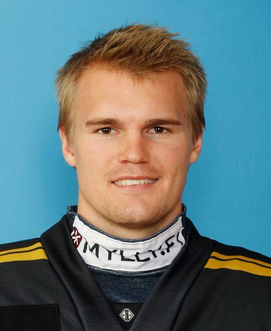 Oscar Eklund, Oulun Kärpät. Kausi 2011-2012, SM-liiga