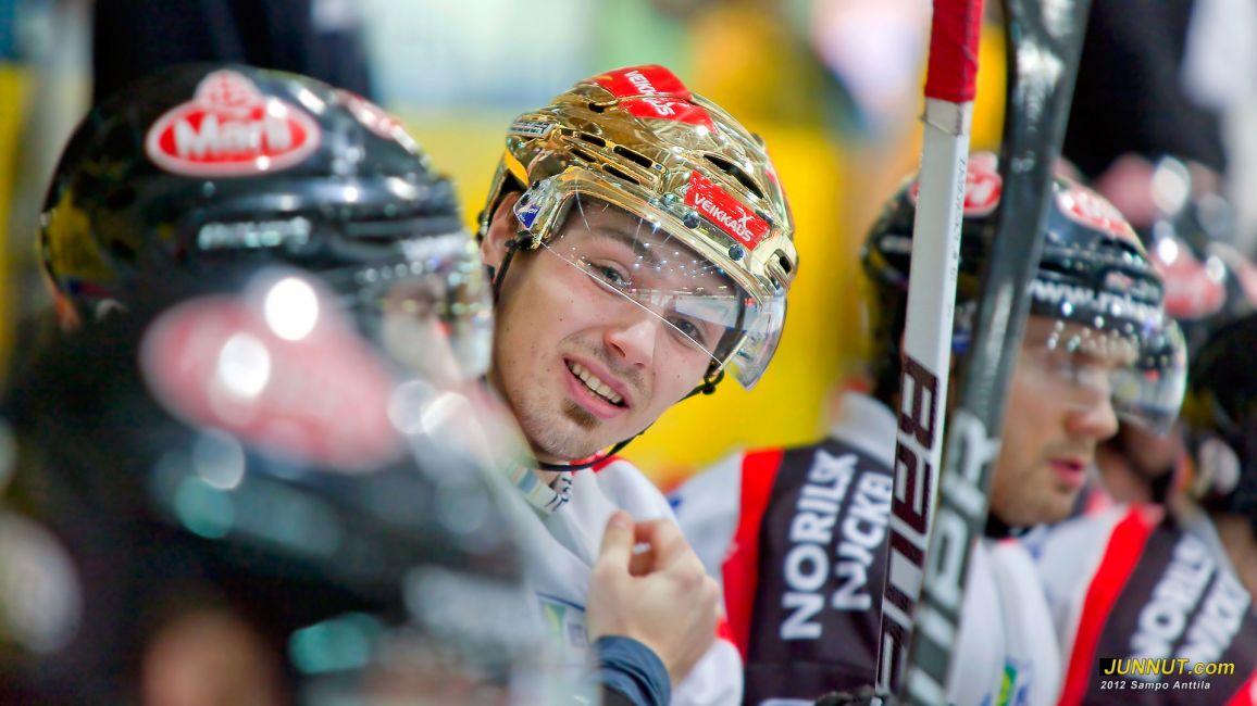 Ässien Tomas Zaborsky on tehnyt tällä kaudella SM-liigassa jo 28 maalia. Kärpät - Ässät 7.1.2012 JUNNUT.com