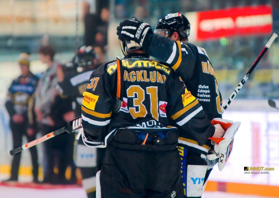 Maalivahti Johan Backlund, Oulun Kärpät 25.2.2012 JUNNUT.com