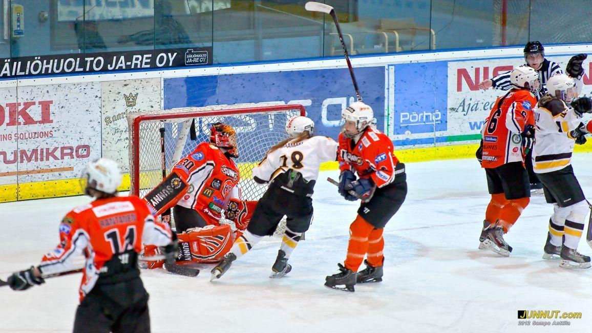 Kärpät - HPK Naisten SM-sarja, playoffit 13.3.2012 JUNNUT.com