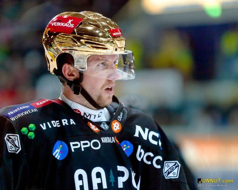 #71 Ivan Huml, Oulun Kärpät 2.10.2012