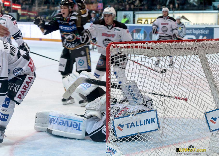 Kärpät - TPS, SM-liiga. Junnut.com 10.10.2012