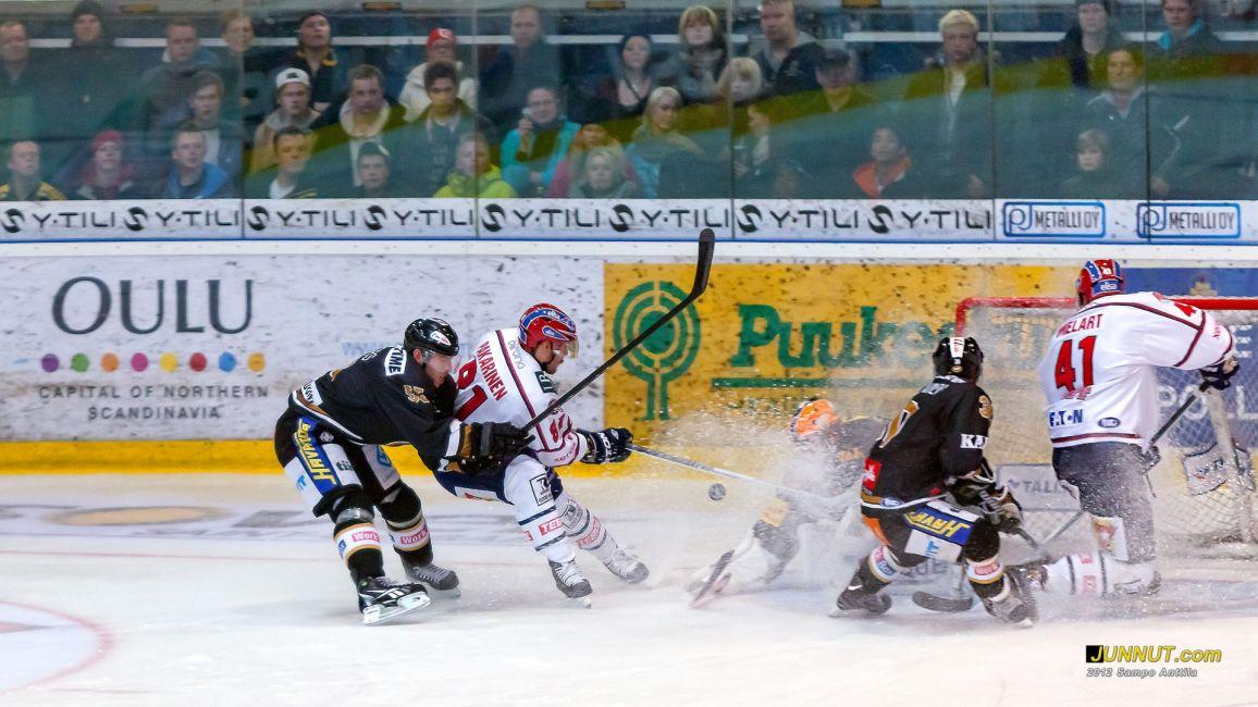Maalivahti Johan Backlund, Oulun Kärpät 12.10.2012
