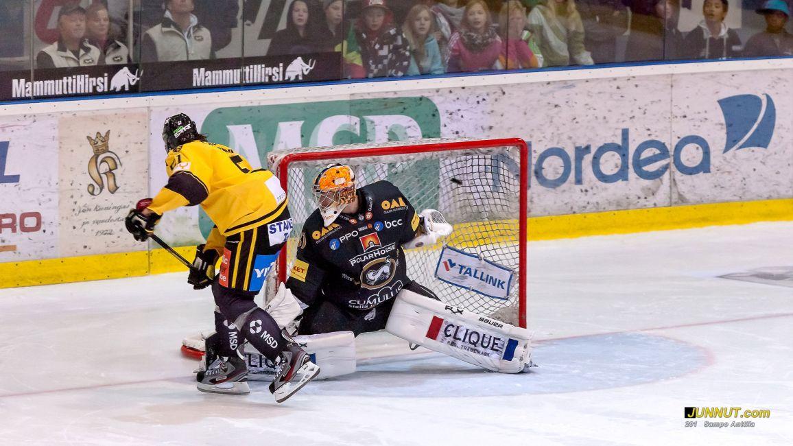 Maalivahti, Johan Baclund Oulun Kärpät, Kärpät   - KalPa, SM-liiga 16.10.2012