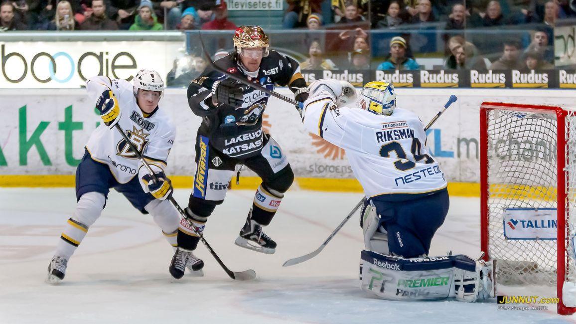 #27 Juha-Pekka Haataja, Oulun Kärpät 20.10.2012 Kärpät - Blues SM-liigaa