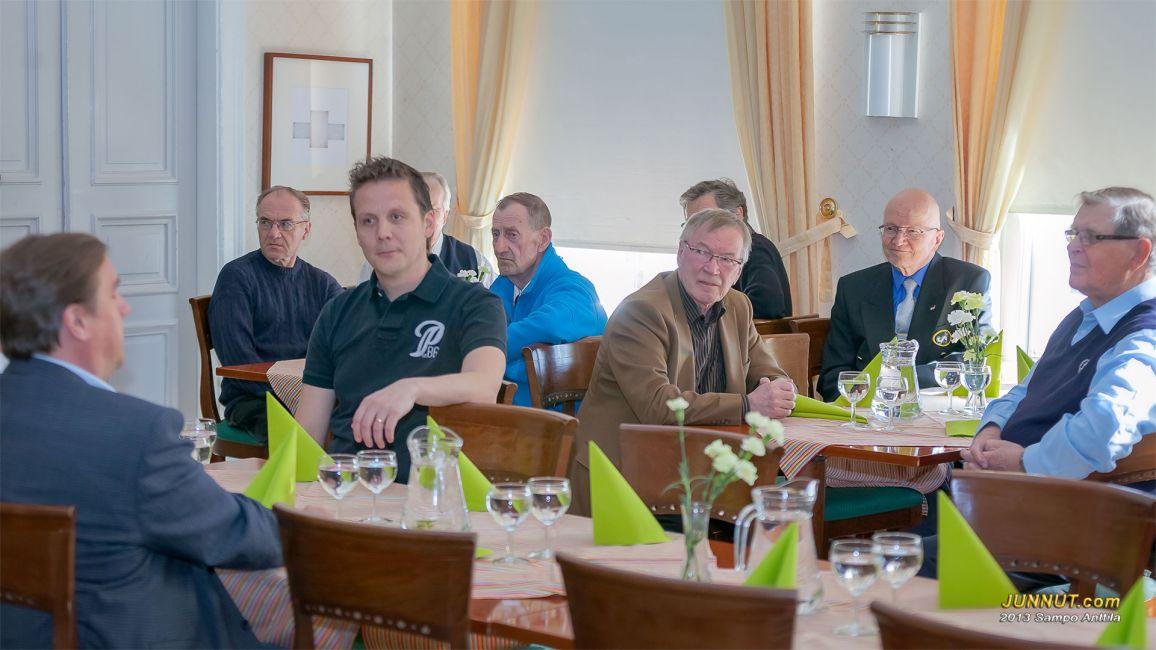 Juha Junno, Seppo Hämeenaho, Lauri Marjamäki, takana Väinö Lassila, Veijo Niemelä, Esko Kekarainen, takana Pekka Kukkonen, Olli Lahtinen, Martti Kalliokoski