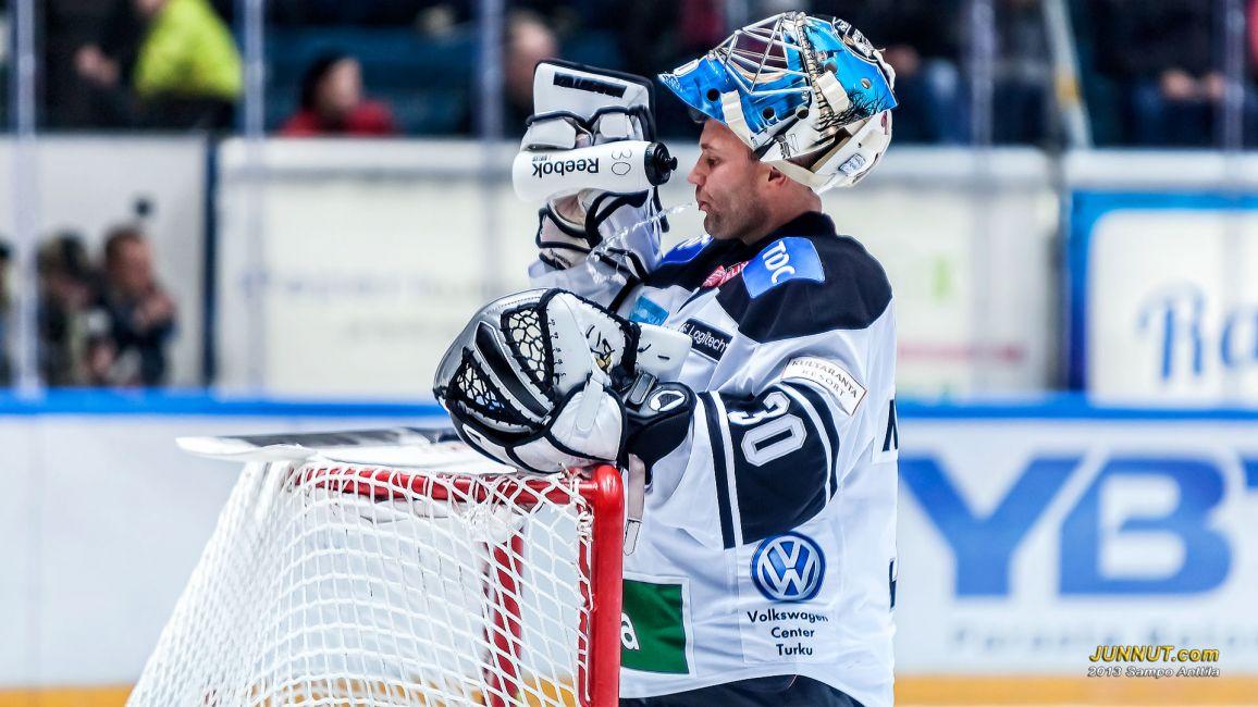 Maalivahti Fredrik Norrena, TPS 21.9.2012