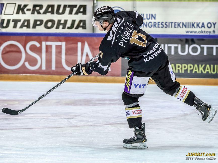 # 17 hyökkääjä Mika Pyörälä, Oulun Kärpät