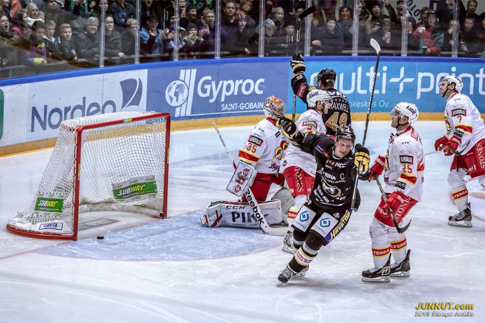 # 5 Lasse Kukkonen, Oulun Kärpät 12.10.2013