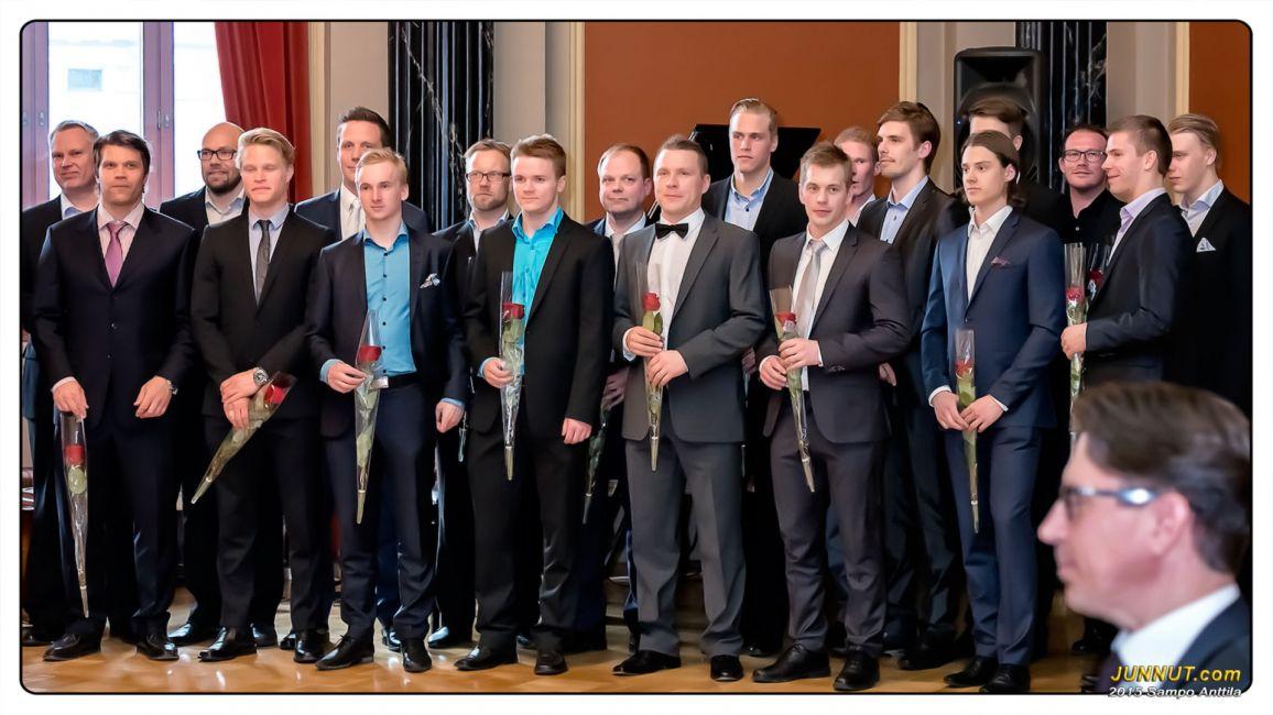 Oulun Kärpien mestaruusjoukkue kukitettu