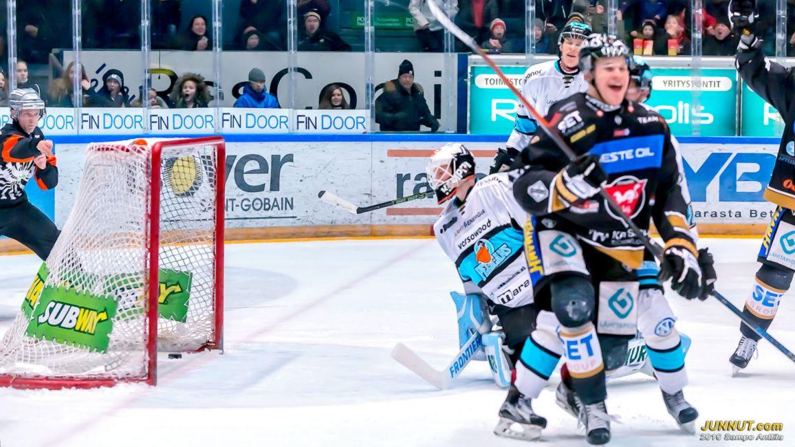 #9 Jesse Puljujärvi 1-0 (#12 Esa Pirnes, #17 Mika Pyörälä)