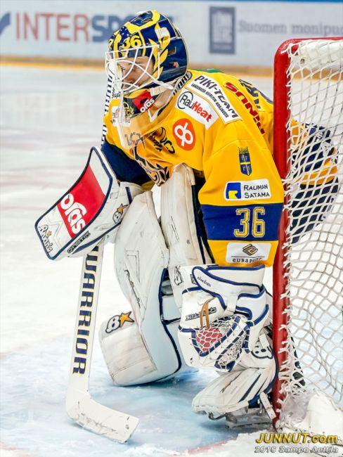 36 Kaapo Kähkönen, Lukko