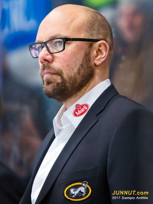 Toni Sihvonen, valmentaja Oulun Kärpät