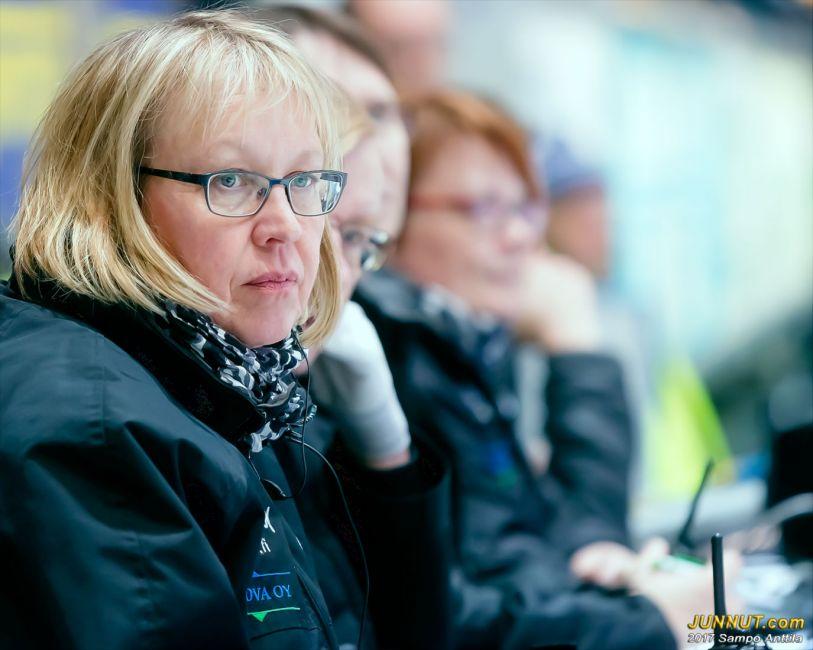 Hannele Lamusuo, toimitsija Oulun jääkeikkotuomarit