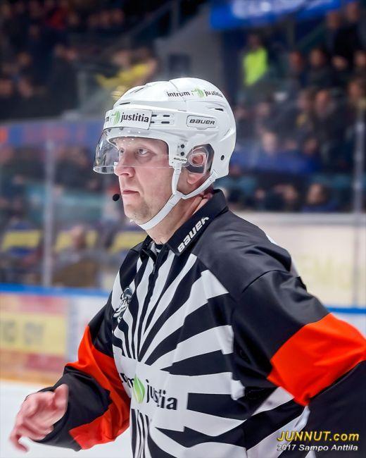 11 Teemu Salminen, päätuomari Jääkiekon SM-liiga