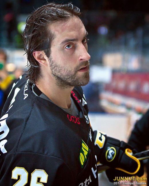 Puolustaja Shaun Heshka, Oulun Kärpät