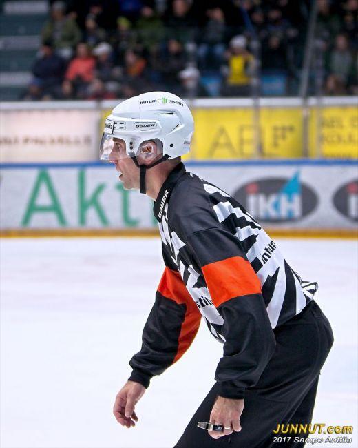 Päätuomari Antti Boman