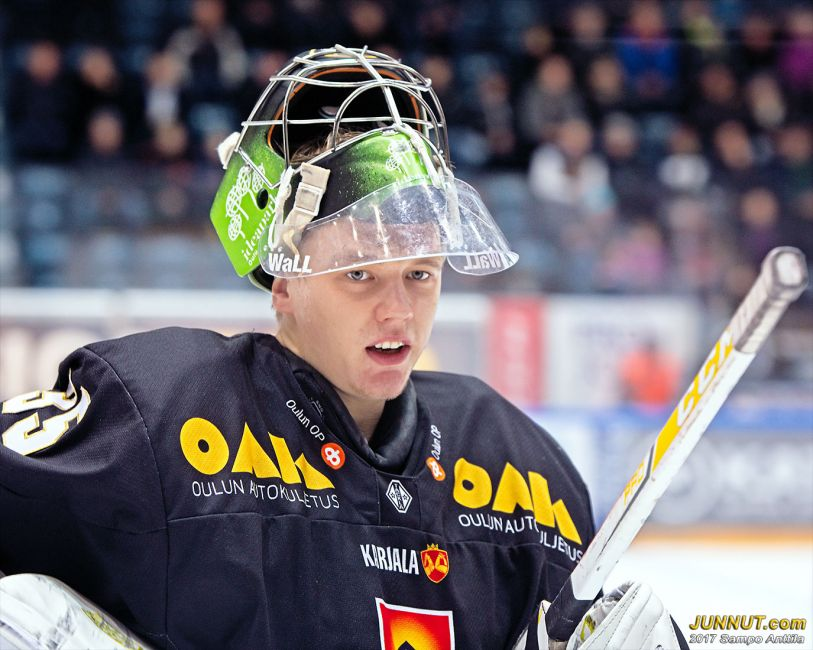 Veini Vehviläinen, maalivahti Oulun Kärpät