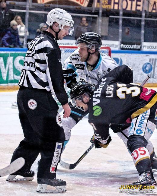 51 Lasse Lappalainen, linjatuomari